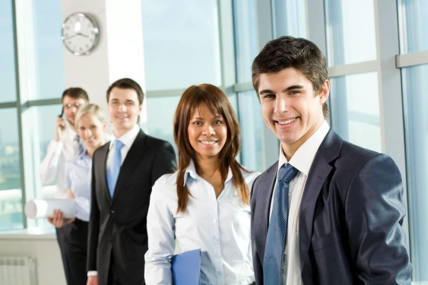 Tineri angajati