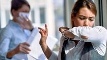Angajatorul trebuie să informeze lucrătorii în cazul îmbolnăvirii cu COVID-19 a unui angajat